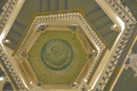 雪の美術館の螺旋階段